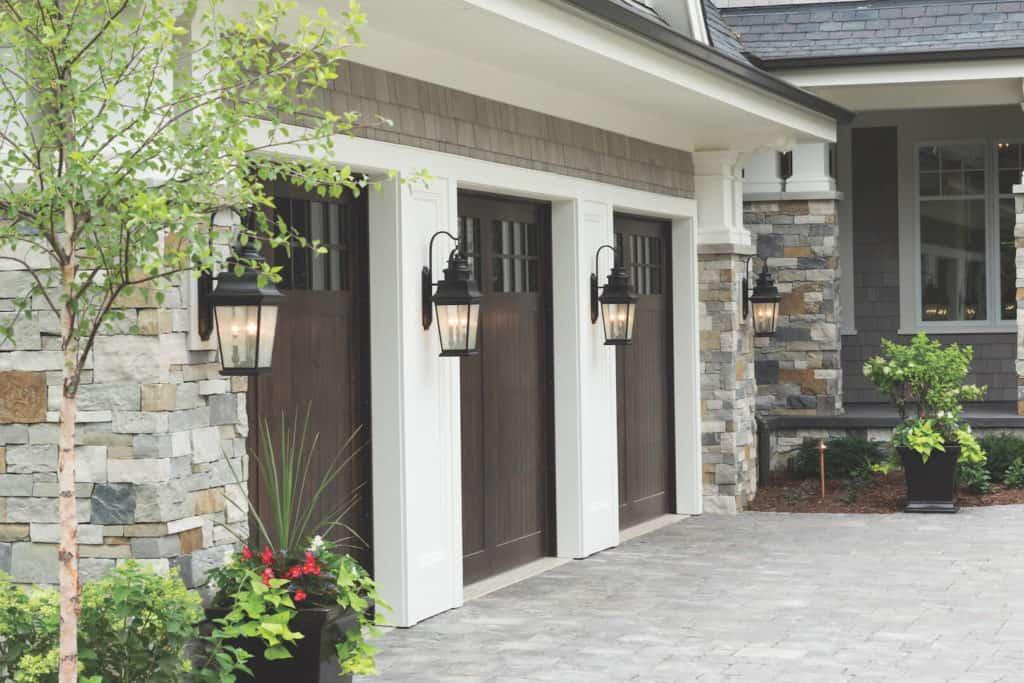 Garage Doors, maintaining garage doors, how to buy wood door, purchasing wood garage door