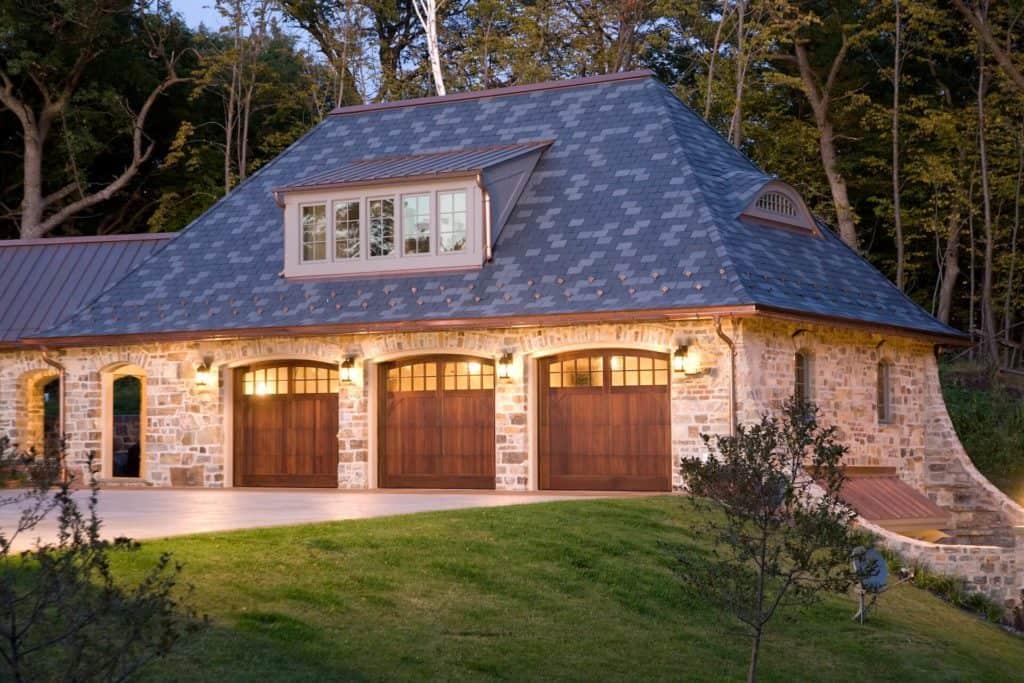 wood garage doors, how to purchase a wood garage door, custom doors